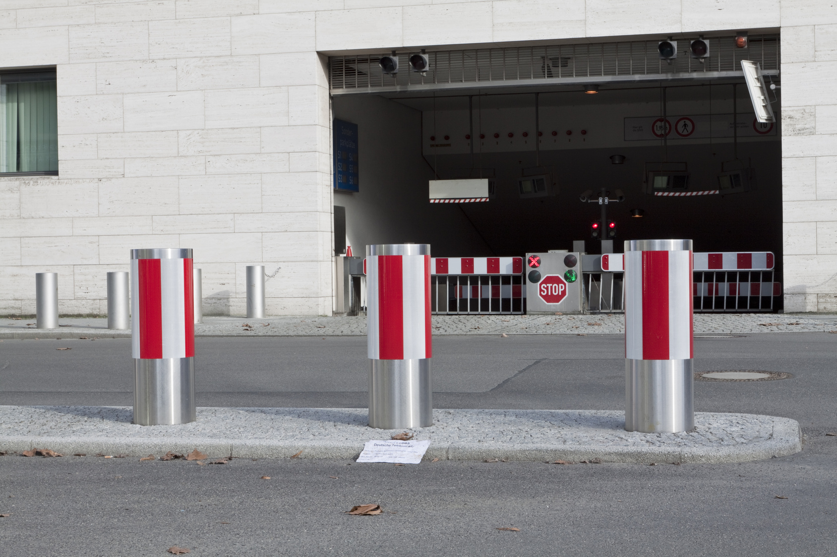 How To Choose The Best Stainless Steel Bollard Manufacturer