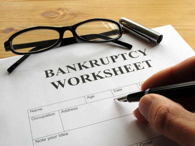 Mull over the Pros and Cons before Filing for Bankruptcy