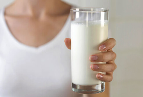 Include Animal Broths and Raw Milk In Your Diet To Stay Healthy
