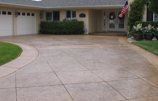 Improve The Look Of Your House With Concrete Driveways