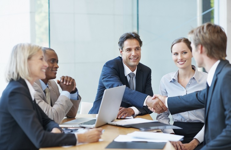 Recruit Experienced and Qualified Candidates For Your Organization