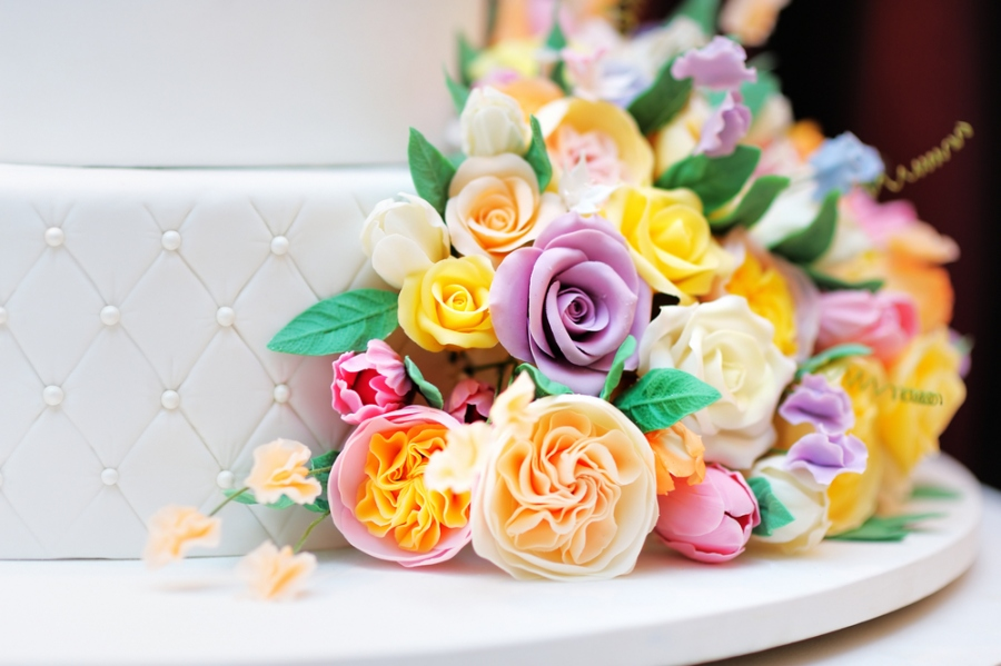 Make Your Birthday Party Decorate With Beautiful Flowers